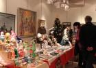 Фоторепортаж с ярмарки новогодних подарков в арт-галерее «Лига»